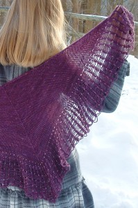 ArachnoShawl plum | The Knitting Vortex