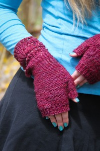 Escallop Mitts closeup | The Knitting Vortex