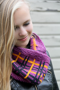 Tartania cowl folded | The Knitting Vortex