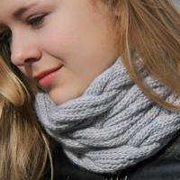 Melony, A Very Chic Cowl